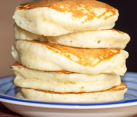 How to make fluffy pancakes with pancake mix